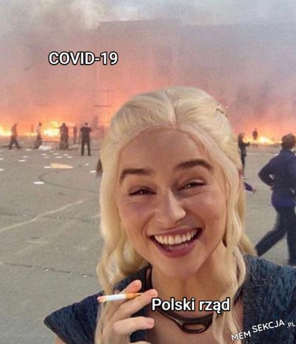 Polski rząd się bardzo dobrze bawi w tym momencie