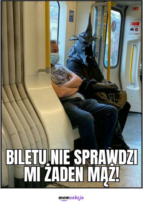 Nazgul w tramwaju. Śmieszne. Nazgul