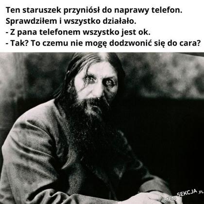 Ten staruszek przyniósł do naprawy telefon.