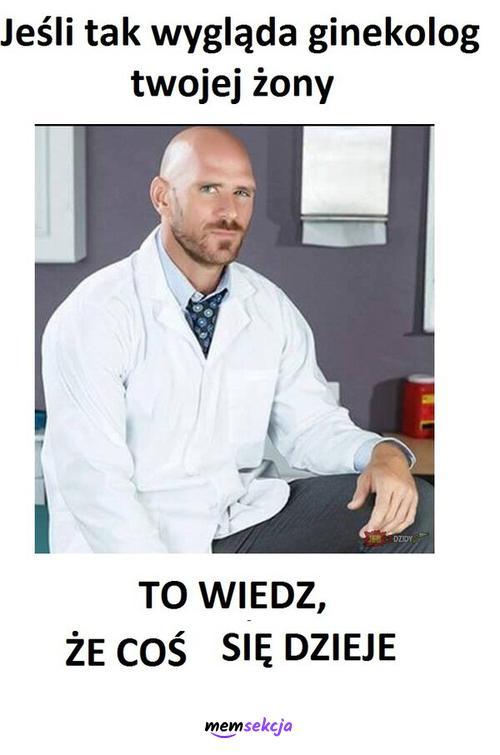 Jeśli tak wygląda ginekolog twojej żony to wiedz, że coś się dzieje. Memy. Łysy  Z  Brazzers. Ginekolog. Żona