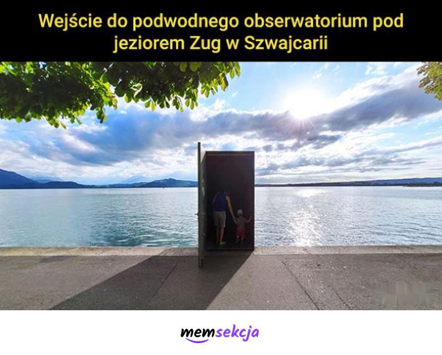 Wejście do podwodnego obserwatorium, Zug Szwajcaria. Memy. Szwajcaria. Iluzja