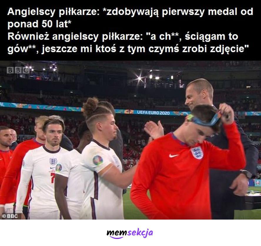 Obrażeni na medale angielscy piłkarze. Memy. Anglia. Piłka  Nożna. Euro2020