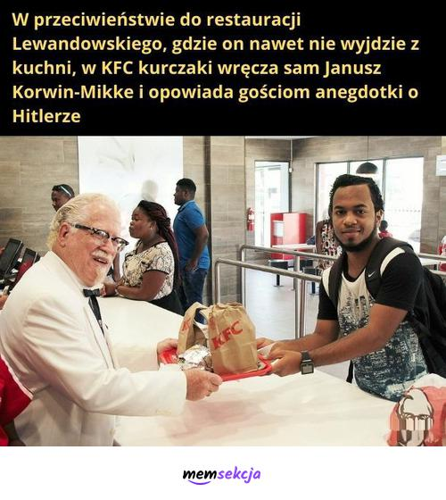 W KFC kurczaki wręcza sam Korwin. Śmieszne. Janusz  Korwin  Mikke. Robert  Lewandowski