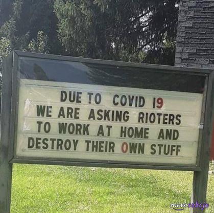 Protestujących uprasza się o pracę z domu